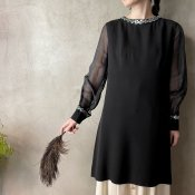 <img class='new_mark_img1' src='https://img.shop-pro.jp/img/new/icons13.gif' style='border:none;display:inline;margin:0px;padding:0px;width:auto;' />Vintage Tunic with See Through Sleeves & Sequins (ヴィンテージ スパンコール刺繍 シースルースリーブ チュニック)