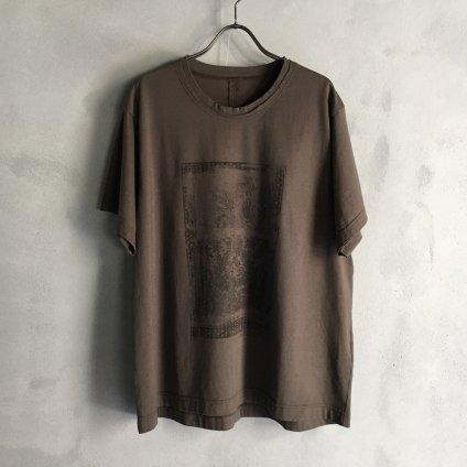 ikkuna/suzuki takayuki print T-shirt ii (イクナ/スズキタカユキ プリントTシャツ ii)Forest Brown