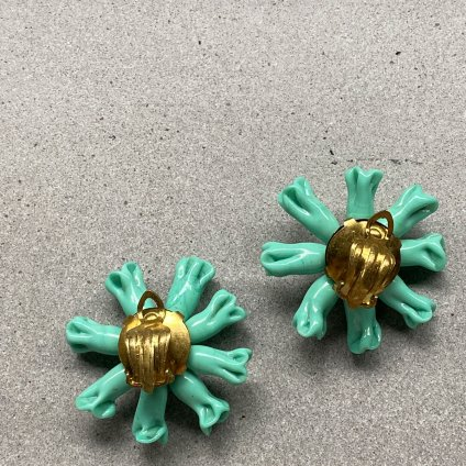 <img class='new_mark_img1' src='https://img.shop-pro.jp/img/new/icons13.gif' style='border:none;display:inline;margin:0px;padding:0px;width:auto;' />1950's Turquoise Green Glass Earrings(1950年代 ターコイズグリーン ガラス イヤリング)
