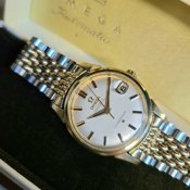 <img class='new_mark_img1' src='https://img.shop-pro.jp/img/new/icons13.gif' style='border:none;display:inline;margin:0px;padding:0px;width:auto;' />OMEGA CONSTELLATION(オメガ コンステレーション)純正ベルト 箱付
