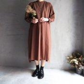 <img class='new_mark_img1' src='https://img.shop-pro.jp/img/new/icons13.gif' style='border:none;display:inline;margin:0px;padding:0px;width:auto;' />ikkuna/suzuki takayuki kurta dress (イクナ/スズキタカユキ クルタドレス)walnut