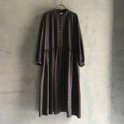 <img class='new_mark_img1' src='https://img.shop-pro.jp/img/new/icons13.gif' style='border:none;display:inline;margin:0px;padding:0px;width:auto;' />ikkuna/suzuki takayuki pullover dress (イクナ/スズキタカユキ プルオーバードレス)charcoal gray