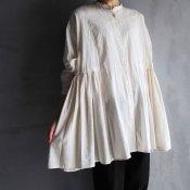 ikkuna/suzuki takayuki over blouse(イクナ/スズキタカユキ オーバー ブラウス)Nude