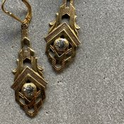 <img class='new_mark_img1' src='https://img.shop-pro.jp/img/new/icons13.gif' style='border:none;display:inline;margin:0px;padding:0px;width:auto;' />1930's France Deadstock Earrings(1930年代  フランス デッドストック ピアス)Gold Art Deco