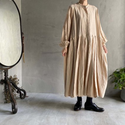 ikkuna/suzuki takayuki tucked dress (イクナ/スズキタカユキ タックドレス)Nude
