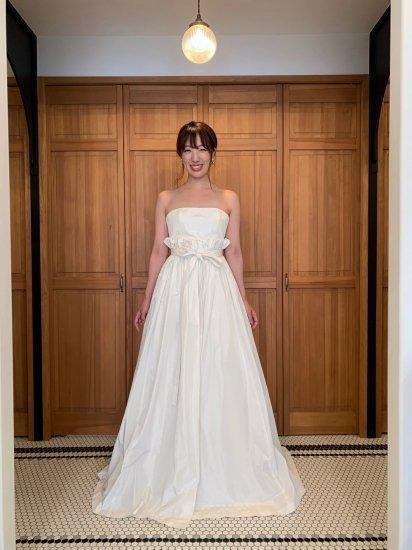 フリルオーバースカートドレス