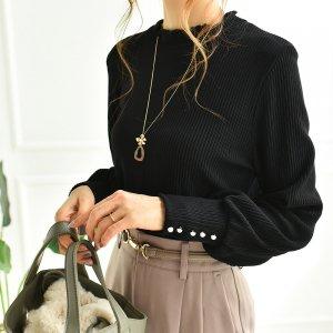 【ゆうパケ】袖パールボタン付き襟裾メロウリブプルオーバー(ブラック)