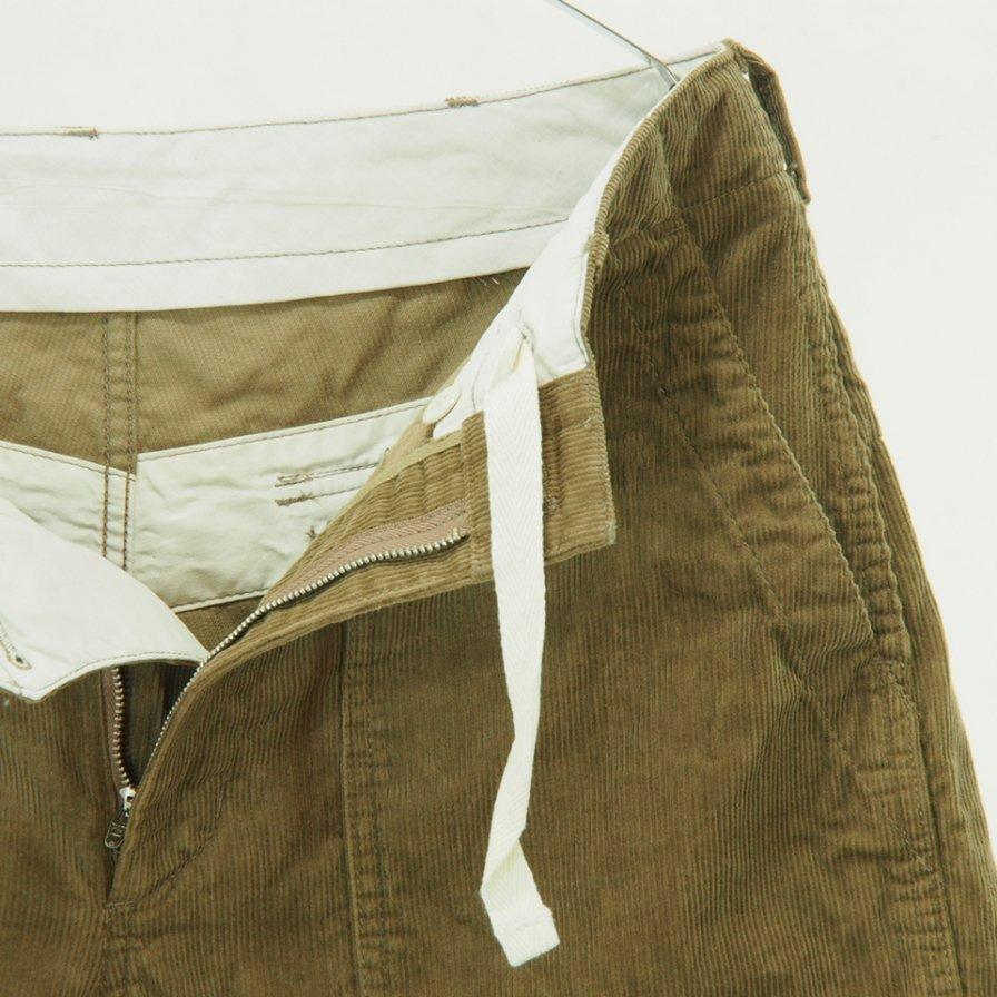Engineered Garments - Fatigue Short - 14W Corduroy - Khaki