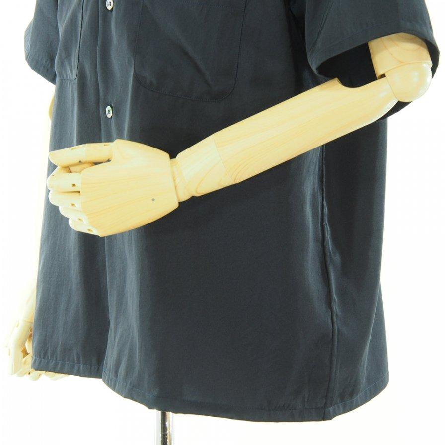 the conspires コンスパイアーズ - Satin CP Short Sleeve Shirt - Navy