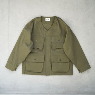 <img class='new_mark_img1' src='https://img.shop-pro.jp/img/new/icons1.gif' style='border:none;display:inline;margin:0px;padding:0px;width:auto;' />Warden Jacket Khaki