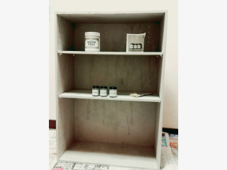 コンクリート風塗料コンクリートエフェクトペイントをカラーボックスに塗った事例