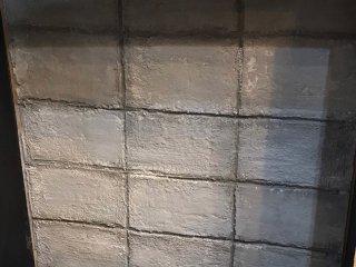 レトロなインテリアにぴったりのブロック塀風な壁をお手軽に作る方法