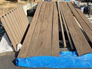 スマイル工務店で足場板を古材風に塗ったときのエイジング方法