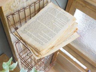 カンタンに洋書などの紙を日焼けしたような古い風合いに変身!