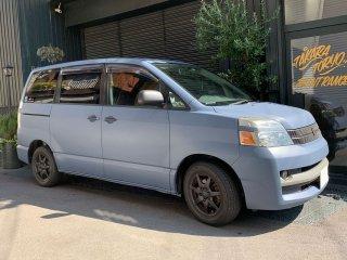 トヨタ ヴォクシーをカスタムカラー パシフィックで刷毛塗り全塗装!