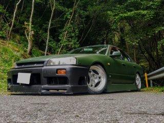 日産 スカイラインR34をグレイッシュダークグリーンで刷毛塗り全塗装!