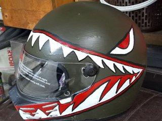 ヘルメットをオリーブドラブで刷毛塗り全塗装!