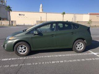 トヨタ プリウスをグレイッシュダークグリーンで刷毛塗り全塗装!