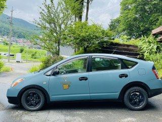 トヨタ プリウスをKURAYAオールドブルーシーで刷毛塗り全塗装!