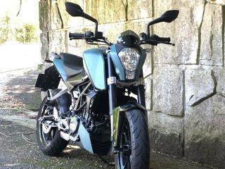 KTM 200デュークをちょい足し200gで刷毛塗り全塗装!