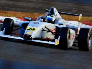 F4(レース用車輌)をカスタムカラー グレーFS36320近似色で刷毛塗り全塗装!