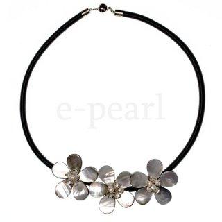 フラワーMOP 合革ネックレス48� マグネットクラスプ :e-pearl