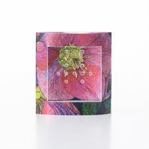 ピアスのガクブチ × 横尾美美 「 Helleborus Orientalis 」