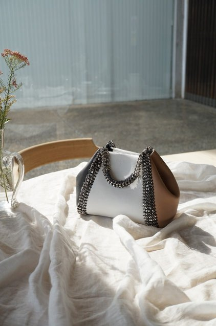 de Couture(デクチュール)2WAYチェーントートバッグSサイズ  White/Beige/Gray