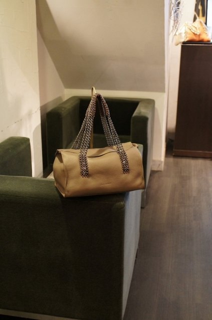 de Couture(デクチュール)チェーンレザーボストンバッグ  2WAY Brown[D70]
