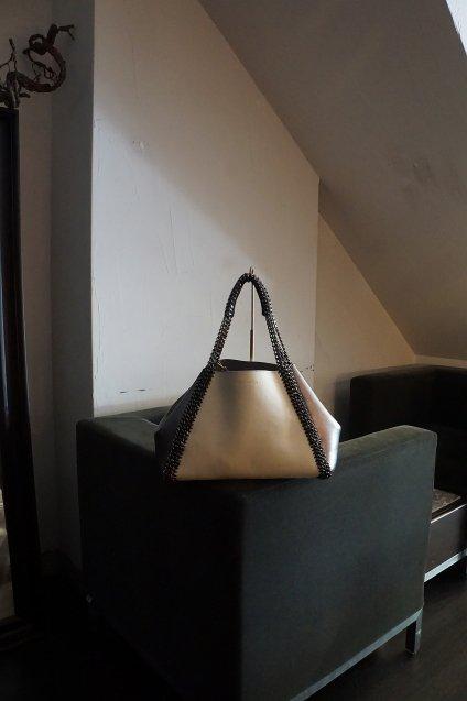 de Couture(デクチュール)チェーンレザートートバッグMサイズ  White/Metallic Silver[D14]
