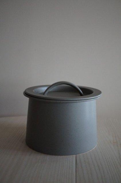 2016/arita  BG/014 Cooking Pot 210 Grey Sprinkle