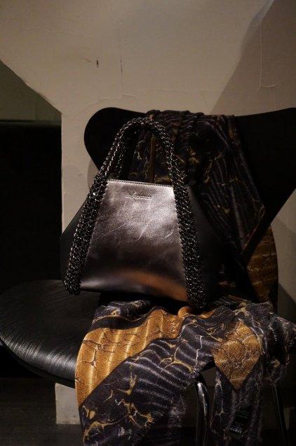 de Couture(デクチュール)2WAYチェーントートバッグSサイズ  Metallic Silver/Black