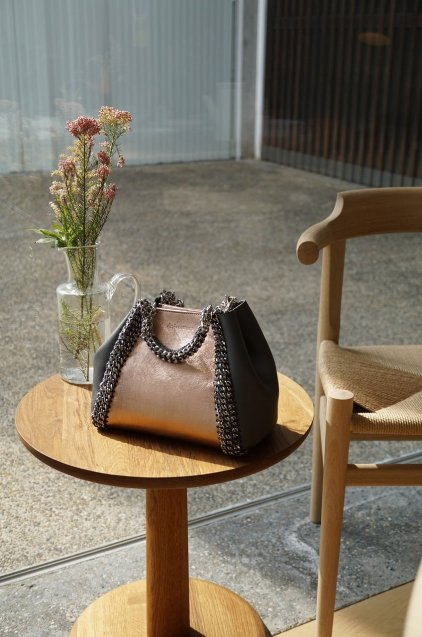 de Couture(デクチュール)2WAYチェーントートバッグSサイズ  ChampaignGold/Grey