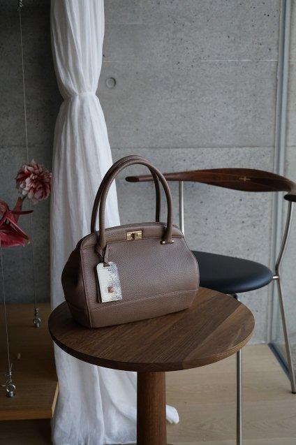 【期間限定販売】JUNYA WARASHINA(ジュンヤ ワラシナ) Leather handbag GURE,CH04  color:OAK
