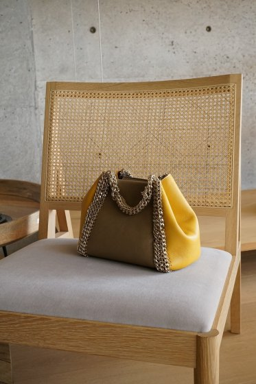 de Couture(デクチュール)2WAYチェーントートバッグSサイズ  LightBrown/Yellow
