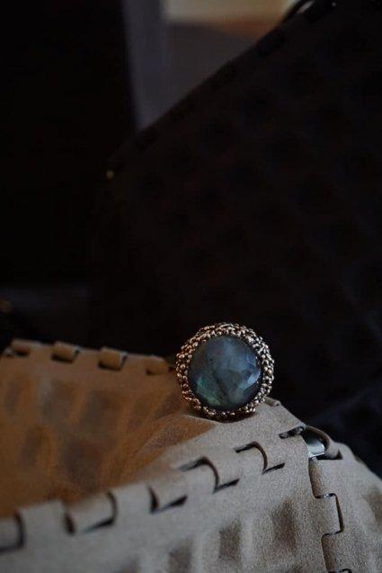 Daniela de Machi Classic Ring (リング)[AN082 BZBR Labradorite]