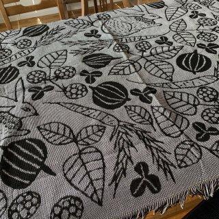 松尾ミユキ Tapestry woven blanket Rabbit vegi