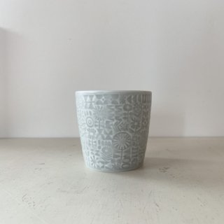 BIRDS' WORDS PATTERNED CUP