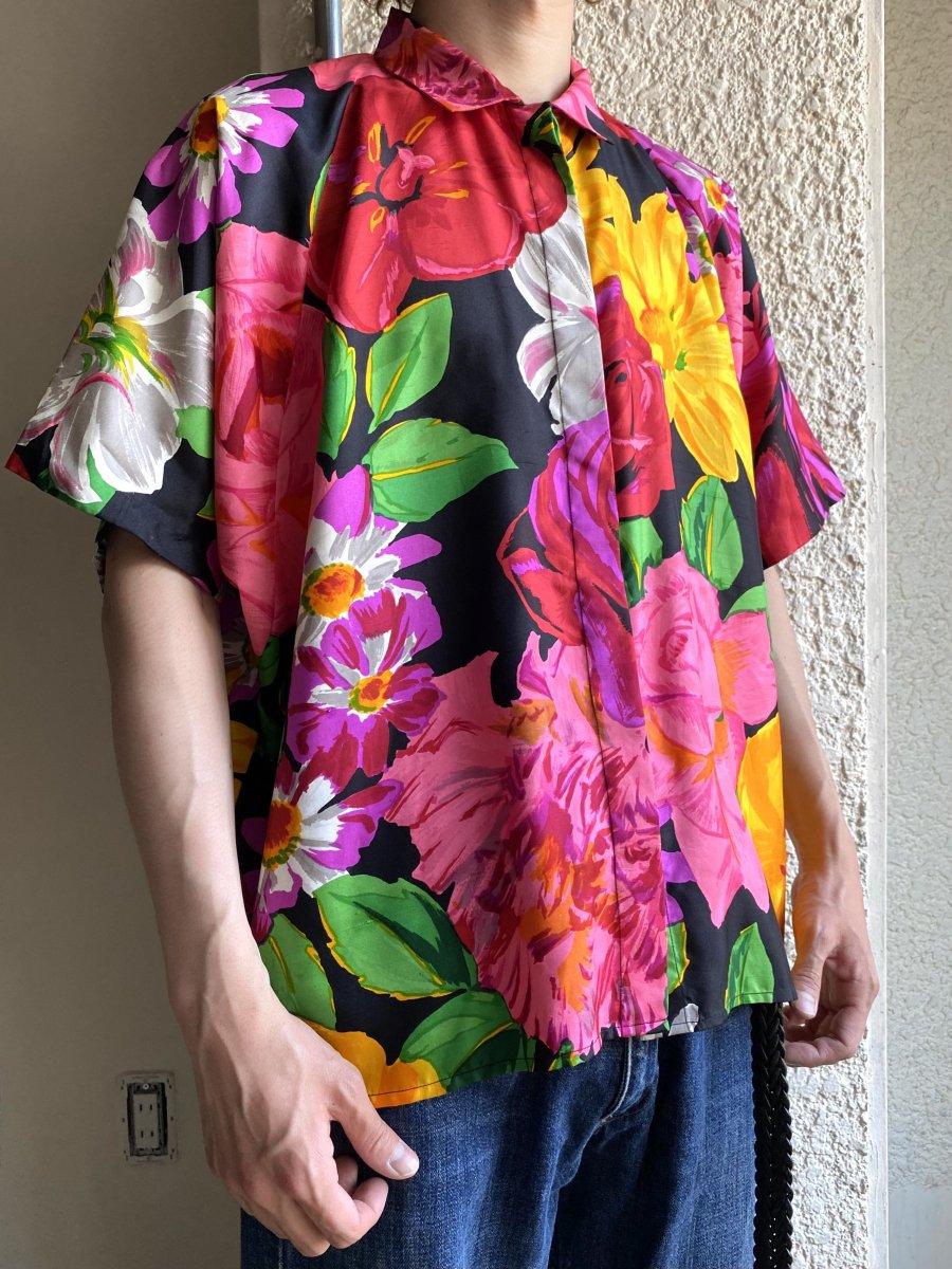 BIG flower shirt