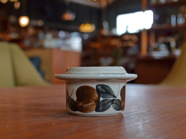 【SOLD OUT】ARABIA Ruija / egg stand<br> アラビア ルイージャ / エッグスタンド