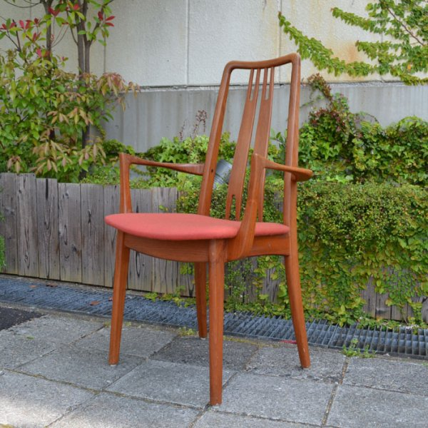 総チーク無垢の贅沢なハイバックチェア。職人の手仕事を感じられる美しい一脚です。 Teak Arm Chair