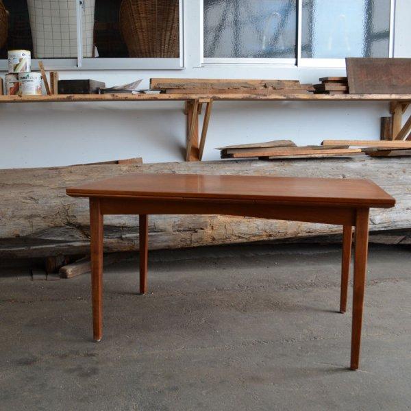 腕木までチーク無垢の贅沢な一台。 Teak Rectangle Dining Table