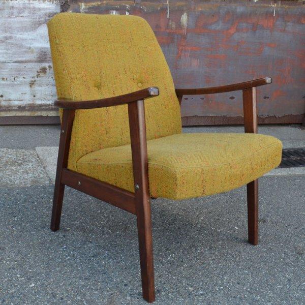 すっぽり収まる小ぶりなイージーチェア Beech Easy Chair
