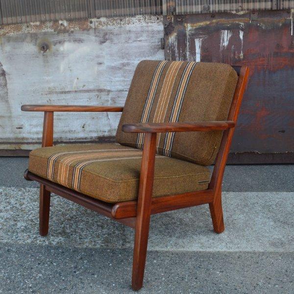 Aage Pedersenデザイン。GETAMA社製。揺るぎないハイクオリティ。 Teak Easy Chair
