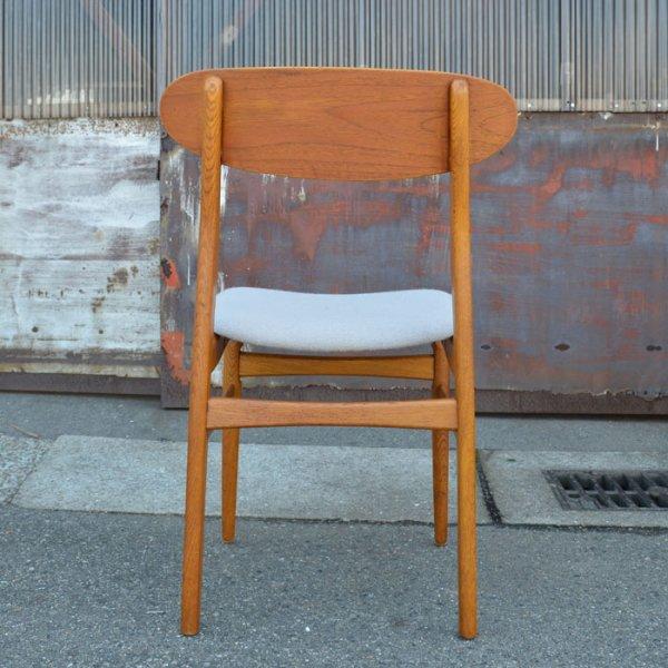 チークとオークの組み合わせ。オーク材のテーブルにも相性◎ Teak×Oak Dining Chair