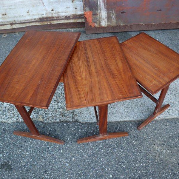 シンプルデザイン!チーク材によるネストテーブル。 Teak Nesting Table