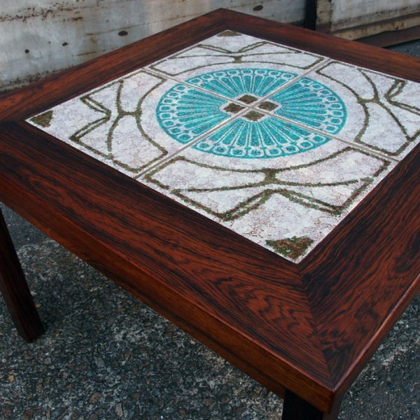 Specialなタイル×贅沢なローズウッド使いの特別な一台。Rosewood Tiletop Coffee Table