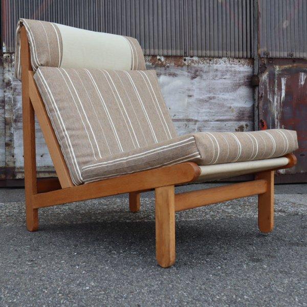 広く大きい座面でゆったりくつろぎの時間を過ごしていただけます Oak Easy Chair
