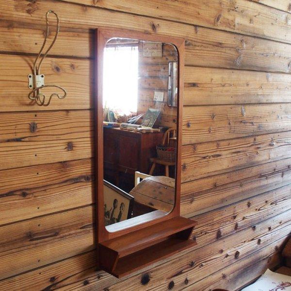 ちょっと便利なチークのシェルフ付き Teak Mirror W/Shelf