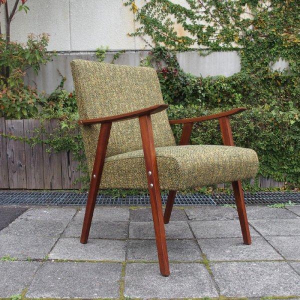 お部屋に取り入れやすいコンパクトかつシンプルなデザイン◎ Teak Easy Chair